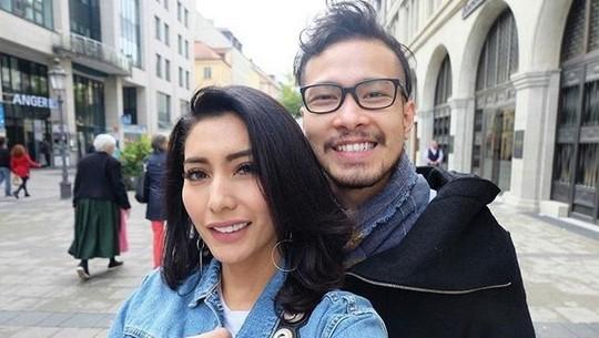 Disebut Bencong, Ini Penampilan Cantik Tyas Mirasih kala Honeymoon