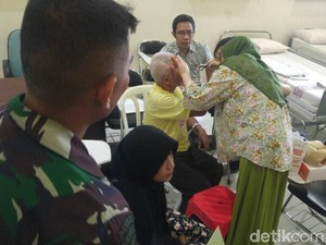 HUT TNI, Kodam IV/Diponegoro Gelar Operasi Katarak Gratis