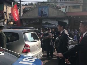 Saat Jokowi Terjebak Macet: Jalan Kaki dan Tak Bunyikan Sirene