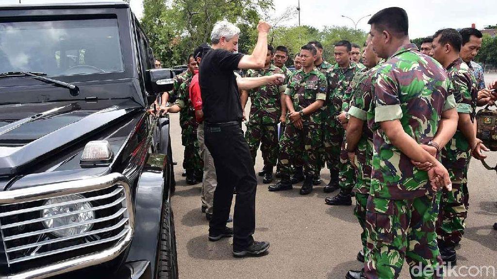 Mengintip Paspampres Berlatih dengan Mobil Kepresidenan