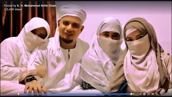 Ustaz Arifin Ilham dan tiga istri