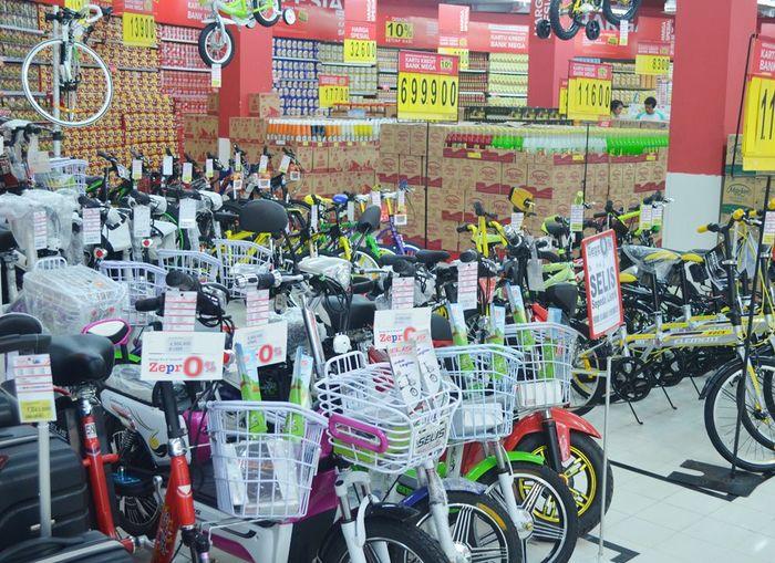 Foto: Beli Sepeda Listrik Gratis Voucher di Transmart Carrefour