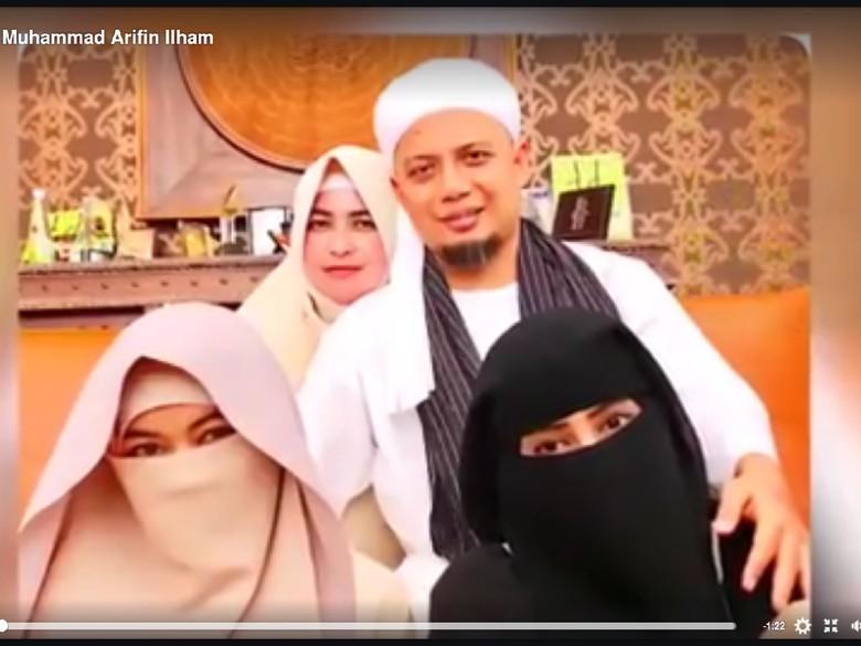 Istri Ke-3 Arifin Ilham Bahagia Bisa Melahirkan Sebelum Suami Kemoterapi