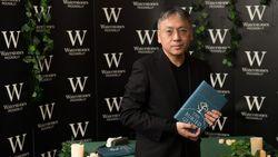 Kazuo Ishiguro Lawan 13 Novelis Rebutkan Booker Prize 2021