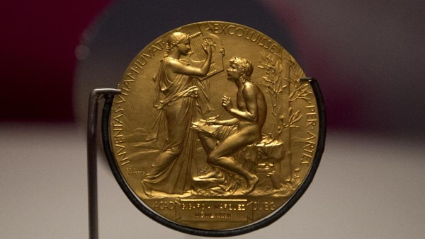 Sejarah Tentang Anugerah Nobel Sastra