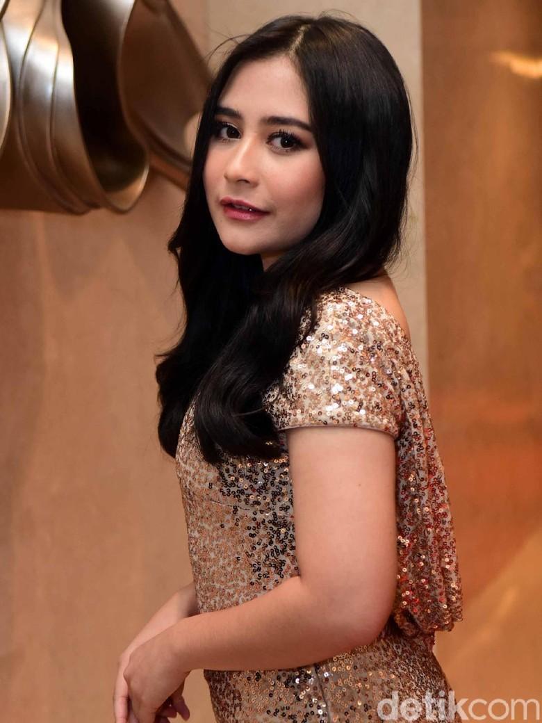 Prilly Latuconsina akan Hadiri Resepsi Bella di Bandung