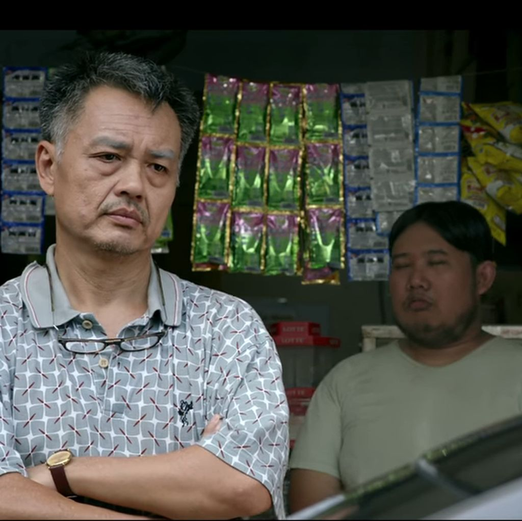 Film Sukses, Cek Toko Sebelah Dibikin Series