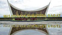 Pesona Masjid Raya Sumatera Barat yang Jadi Ikon Kota Padang