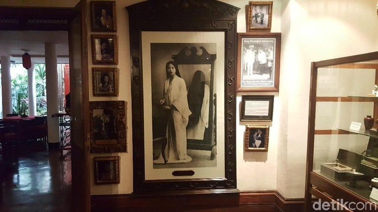 penasaran siapa wanita dalam lukisan yang ada di hotel tugu