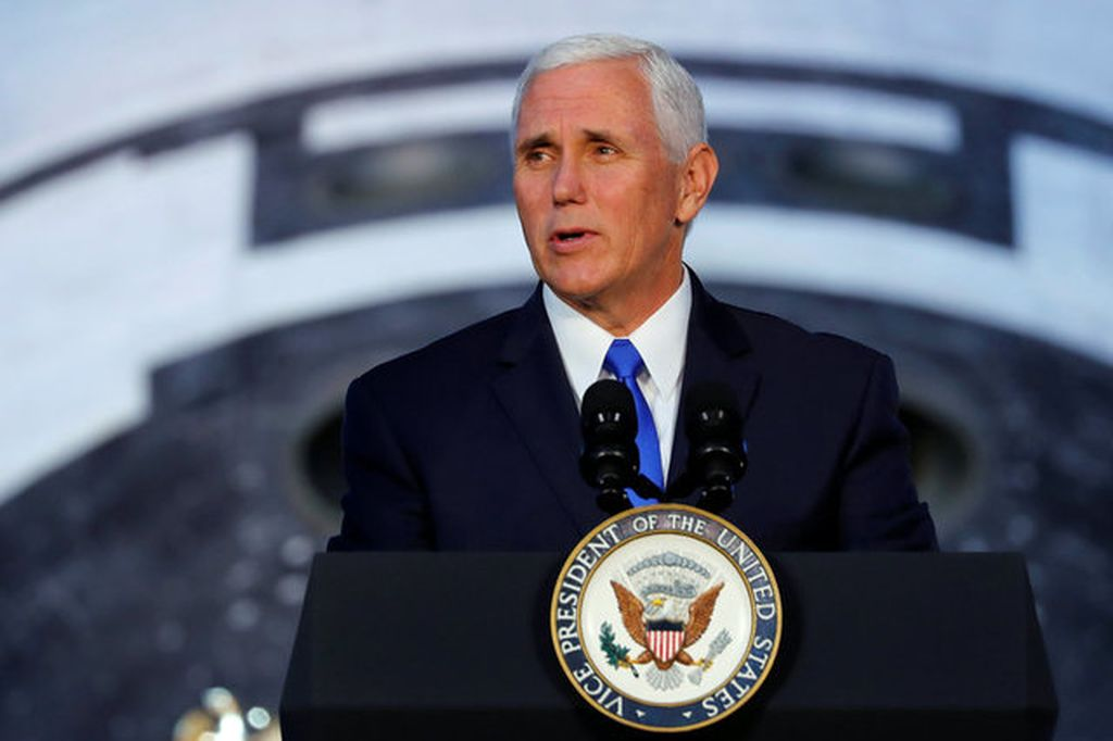 Begitu yang diumumkan oleh Wakil Presiden AS Mike Pence di Smithsonian National Air and Space Museum's Steven F. Udvar-Hazy Center in Chantilly, Virginia, AS. (Foto: Reuters)