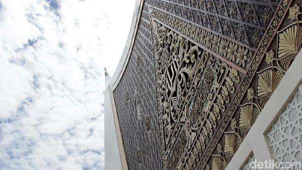 Masjid megah ini berlokasi di Kecamatan Padang Utara, Kota Padang, Sumatera Barat. (Randy/detikTravel)