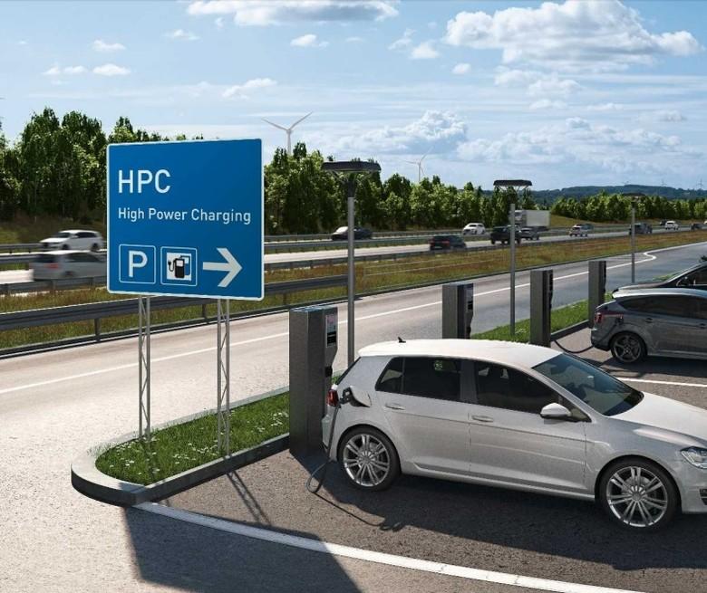 Di Masa Depan Isi Baterai Mobil Listrik Bisa Sangat Cepat Foto: Pool (Autoevolution)