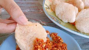 Sedap! Cireng Kenyal Dicocol dengan Sambal Super Pedas