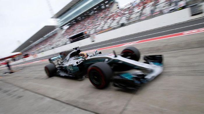 Pebalap Mercedes, Lewis Hamilton (Foto: Toru Hanai/Reuters)