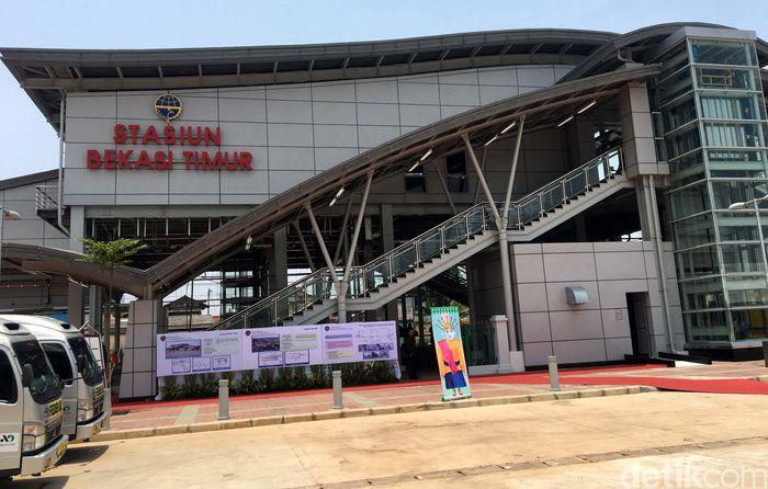 Kementerian Perhubungan telah menyelesaikan Stasiun Bekasi Timur, di Kota Bekasi, untuk menunjang operasional KRL dari Jakarta Kota ke Cikarang di Kabupaten Bekasi. Stasiun yang berada di sebelah Timur Stasiun Bekasi ini dibangun sejak Februari 2015 dan selesai pada September 2017.