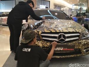 Coret-coret Mercedes-Benz Malah Cetak Rekor Muri