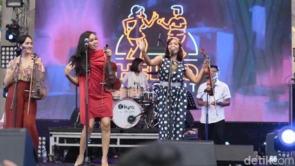 Hello Dangdut Ajak Penonton Dangdutan Sore-sore di Synchronize Fest