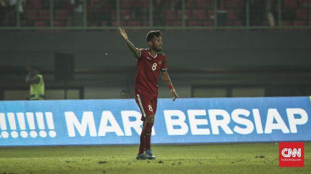 Stefano Lilipaly terjebak offside. (