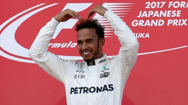 Lewis Hamilton merebut tiga juara dunia F1 bersama Mercedes.