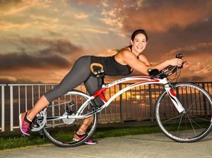 Naik Sepeda Seperti Ini, Mungkin Perut Bakal Cepat <I>Sixpack</I>