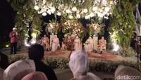 Romantisme dan Intim Resepsi Pernikahan Laudya Cynthia Bella dan Engku Emran