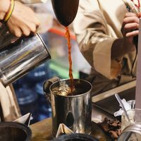 Butuh minuman segar? Yuk, coba Thai tea di Chinatown Bandung.