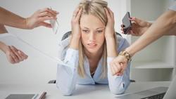 Pekerja kantoran pasti pernah mengalami kebuntuan dalam beberapa titik perjalanan karirnya. Masalah mental seperti ini bisa dikendalikan dengan cara berikut.