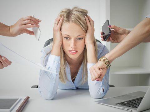 Wanita Ini Ungkap Efek Mengerikan dari Stres Akibat Terlalu Lama Kerja