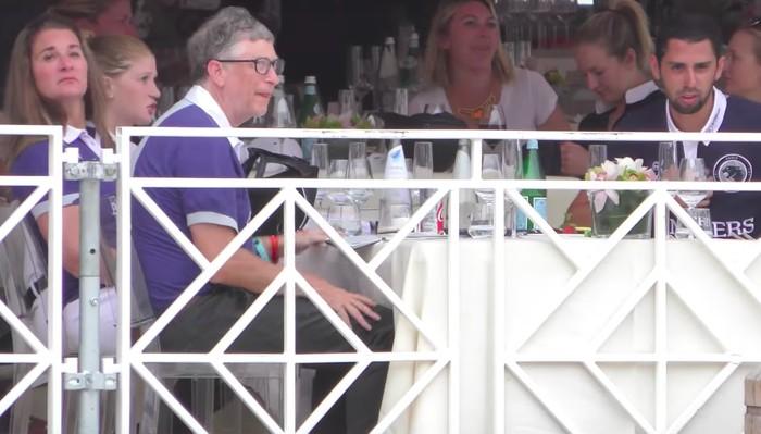 Keluarga Bill Gates bersama Nassar. Foto: istimewa