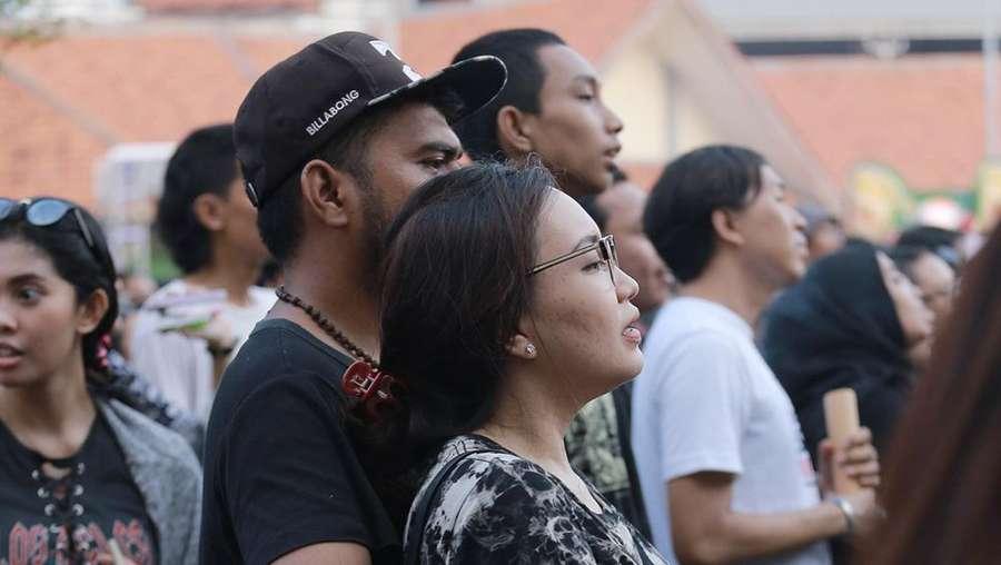 Gaya Cetar Syahrini di Bareskrim, Wajah Bahagia Penonton Synchronize Fest