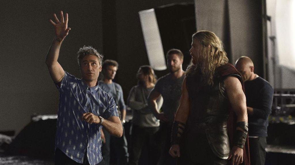 Sutradara Thor: Ragnarok Dikabarkan Garap Star Wars