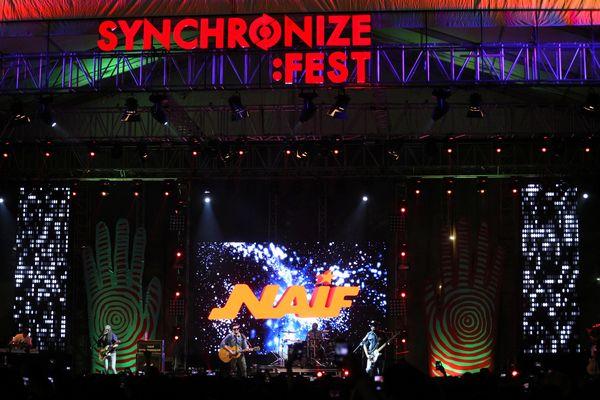 Karaoke Panjang Bersama Naif di Synchronize Fest 2017