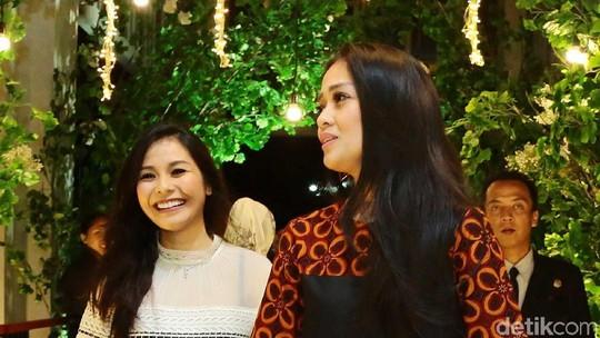 NOAHs Angels: Gracia Indri dan Metha di Resepsi Bella