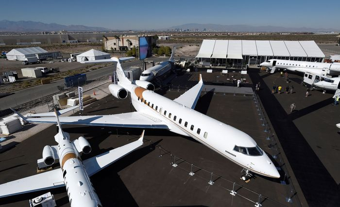 Pesawat buatan Kanada ini mulai diperkenalkan di pameran National Business Aviation Association di Las Vegas pekan lalu. David Becker/Reuters.