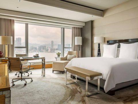 Four Seasons Hotel/