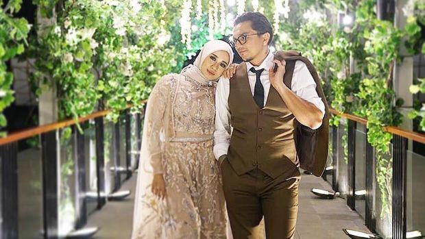Romansa Resepsi Pernikahan Bella dan Engku Emran, Syahrini Cetar di Bareskrim