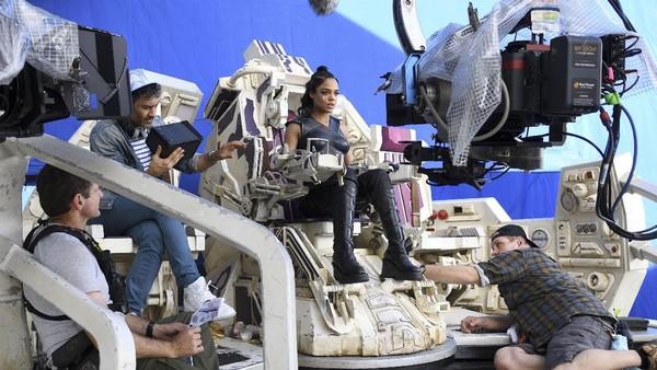 Tessa Thompson Ungkap Hubungan Thor dan Valkyrie di Thor: Ragnarok