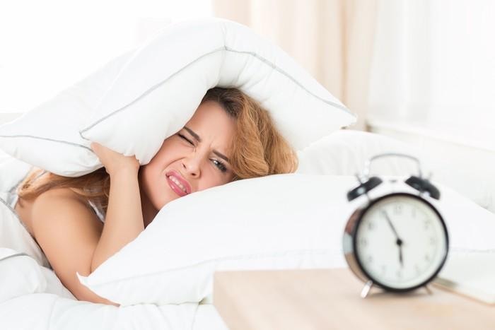 Bangun pagi dalam keadaan malas ingin berangkat kerja bisa dialami siapa saja. Namun jika perasaan ini selalu muncul dalam waktu dua minggu terakhir, kamu patut waspada. (Foto: ilustrasi/thinkstock)