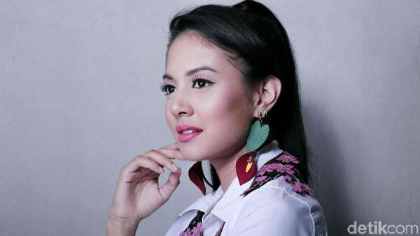 Semampainya Aurelie Moeremans Celeb of The Month Bulan Ini
