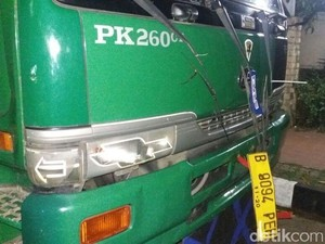 Truk Tabrak Motor di Jakbar, 1 Orang Tewas