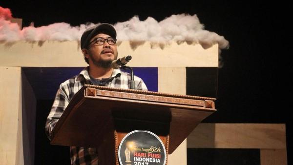 Hasan Aspahani, Sosok di Balik Biografi Chairil Anwar