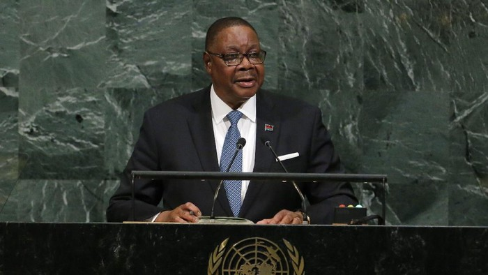 Malawi President Arthur Peter Mutharika addresses the 72nd United Nations General Assembly at U.N. headquarters in New York, U.S., September 20, 2017. REUTERS/Lucas Jackson