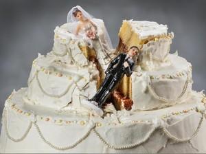 Viral Istri Pukul Suami, Begini Adab Wanita ke Pasangan dalam Islam