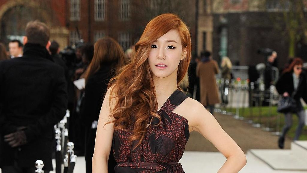 Kisah Sedih dan Tragis Keluarga 7 Artis K-pop Ini Bisa Bikin Kamu Nangis