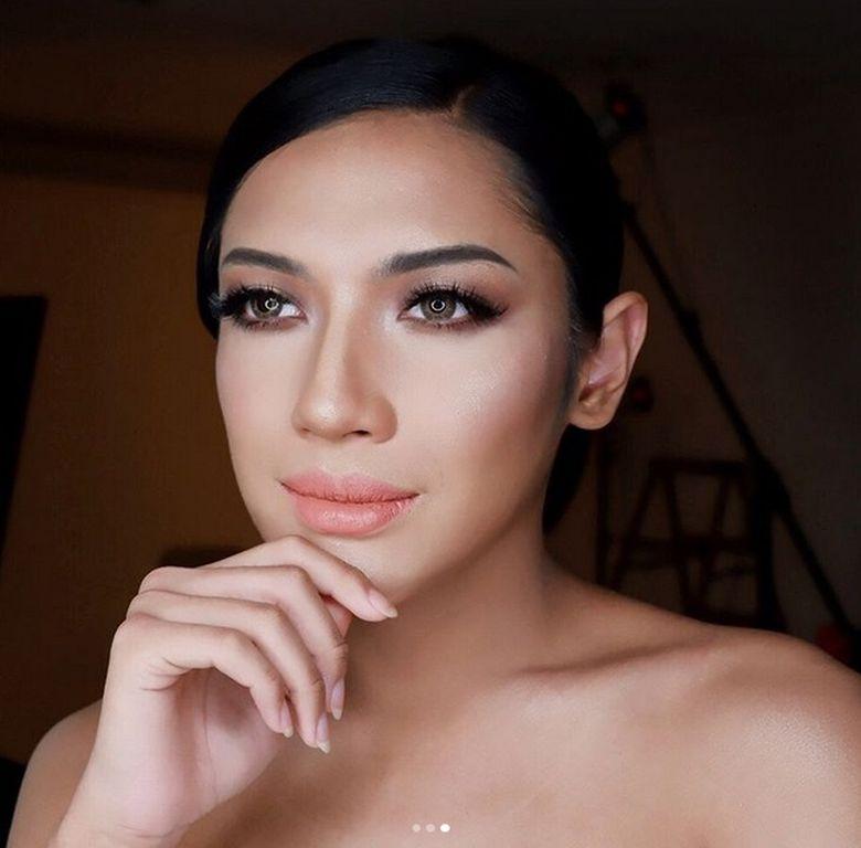 Selain itu ia juga mengunggah fotonya usai make-up. (Dok. Instagram/millencyrus)