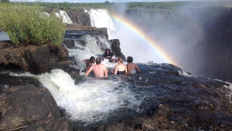 Kolam Setan di Afrika