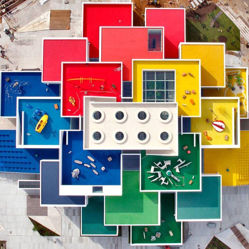 Lego sevara resmi membuka Lego House untuk para pecinta lego di seluruh dunia. Rumah bermain ini diresmikan dan dibuka untuk umum pada 28 September lalu di kota kecil Billund, Denmark (LEGO)