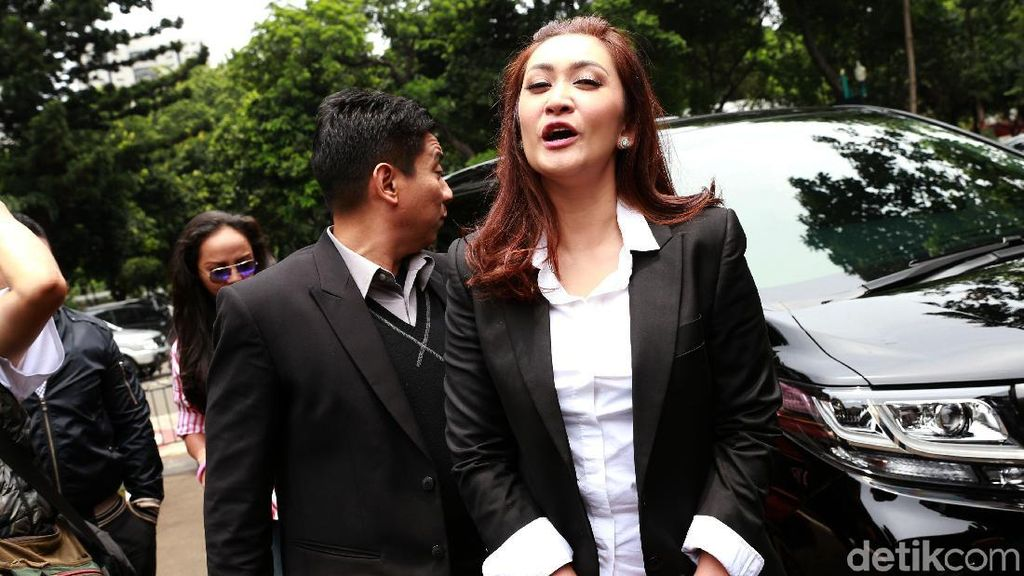 Berkas Kasus Pedofil Sudah P21, Nafa Urbach Siap Jalani Sidang