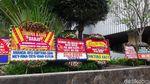Deretan Karangan Bunga untuk Djarot, Ada dari Uno Family
