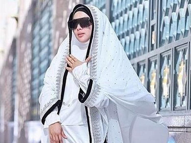 Bikin Syahrini Menangis saat Baca Al Quran, Hafiz USA: Dia Tersentuh